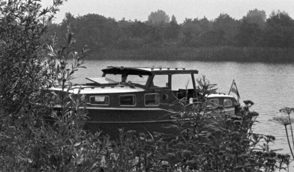Natasja II Kofferdekkruiser met achterkajuit 1.jpg