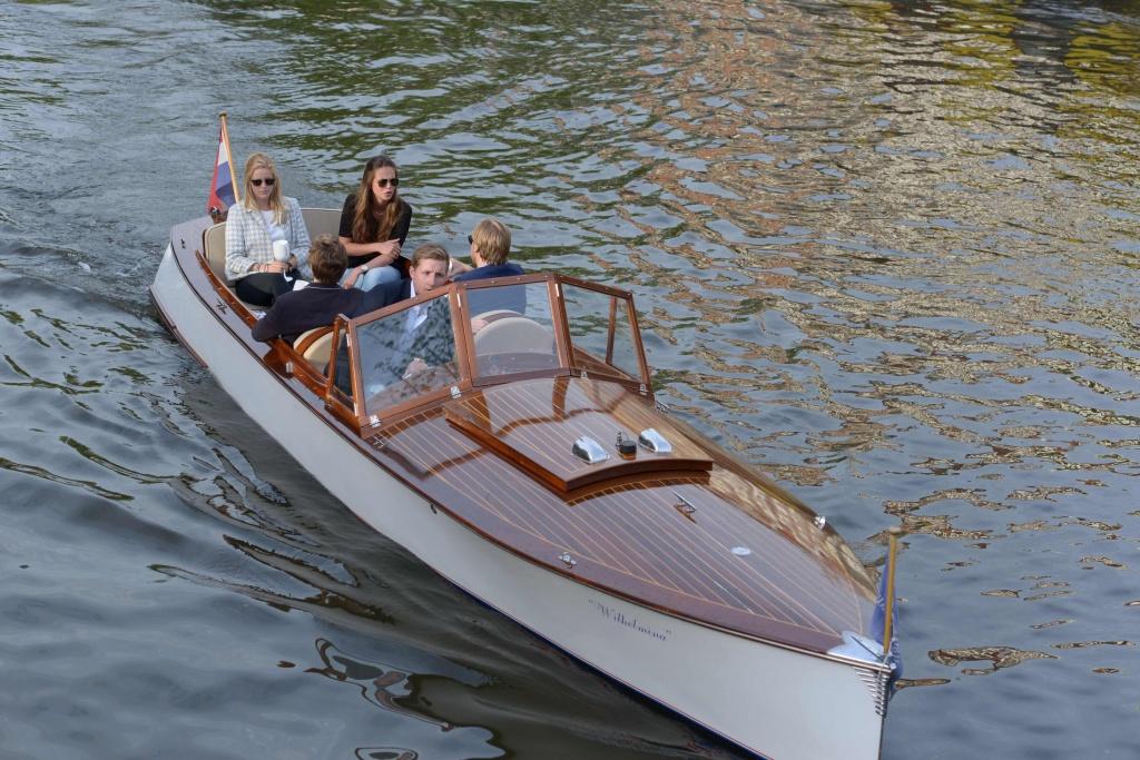 Wilhelmina Autoboot 1.jpg