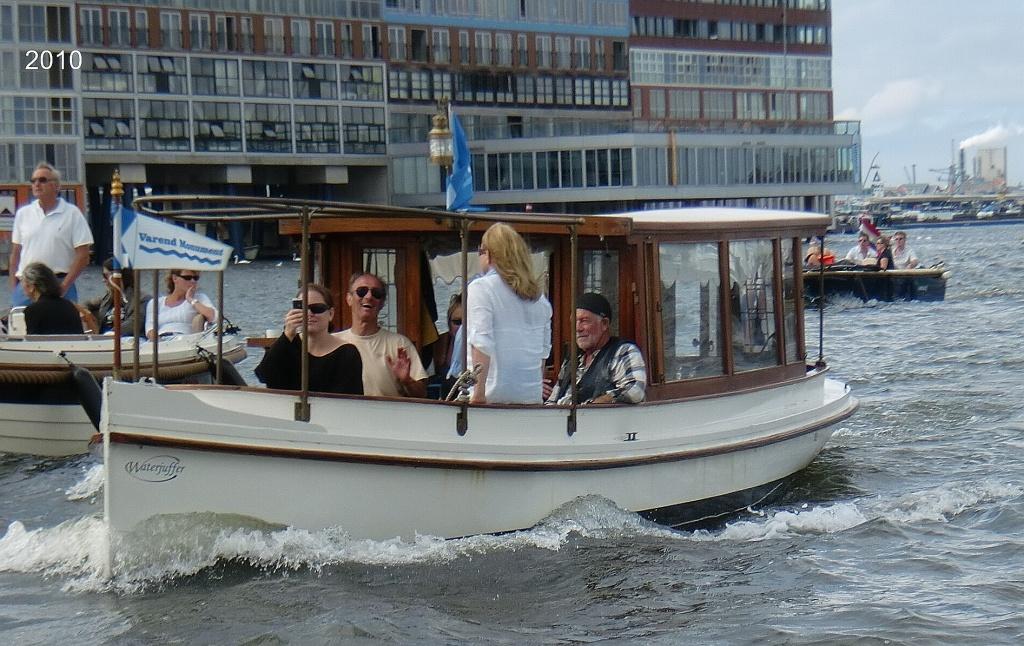 Waterjuffer Salonboot 1.jpg